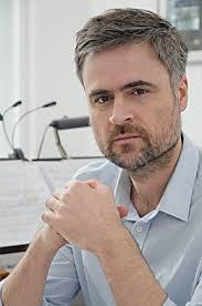 Er studierte zeitgenössische Kammermusik bei <b>Christoph Caskel</b>, <b>...</b> - portrait-person1