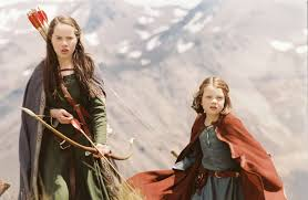 narnia heavenly princess blog moved here s an image of lucy in her camp dress and dark orange cape
