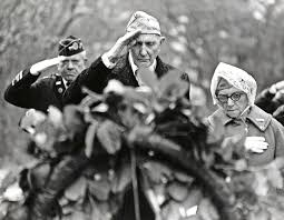 u s department of defense photo essay world war i veterans place a wreath placed at the grave of general of the armies