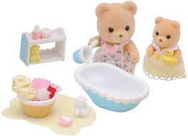 Набор <b>Sylvanian Families</b>: <b>Мама купает</b> малыша, цена 2290 руб ...