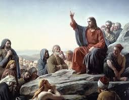 Resultado de imagem para imagens de pessoa pregando o evangelho