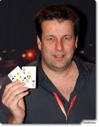 Nach einem zähen Heads-up konnte <b>Michael Schulze</b> schließlich seinen Gegner <b>...</b> - EPT_Warschau_Finaltable_563_ip1