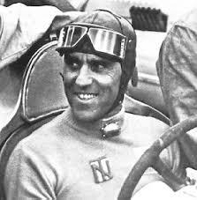 Tazio Nuvolari fu sepolto così, con gli indumenti che indossava scaramanticamente. Quando morte lo colse, l '11 agosto del 1953, non aveva annunciato ... - tnuvolari