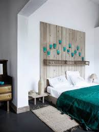 ideas for decorating a bedroom wall