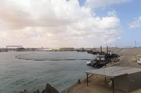 ليبيا - جماعة تحاول السيطرة على مرفأي نفط