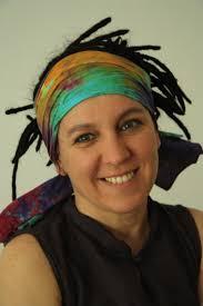 Olga Tokarczuk. Rozmowy z autorką będą prowadzić wybitna dziennikarka BBC Rosie Goldsmith, tłumaczka Antonia Lloyd-Jones, oraz znawczyni literatury polskiej ... - olga-tokarczuk-2010-05-19-530x795