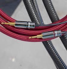 Стоит ли менять штатный <b>кабель для наушников</b> на более ...