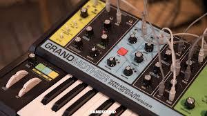 Полумодульный <b>синтезатор Moog Grandmother</b> не получит ...
