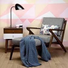 <b>Чехол для подушки цвета</b> пыльной розы с графичным принтом ...
