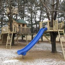 ideas about Simple Tree House on Pinterest   Tree Houses    Easy Treehouse Designs   Consider building your own custom tree house just likes these  order