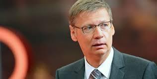"""ARD übt scharfe Kritik an Günther Jauch: """"Eher Show als politischer Talk"""". Günther Jauchs Talkshow wird vom ARD-Programmbeirat scharf kritisiert. - guenther-jauchs-talkshow-wird-vom-ard-programmbeirat-scharf-kritisiert-"""