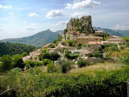Petit village en Drôme Provençale