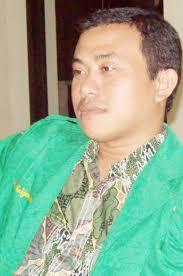 Oleh : Adha Nadjemuddin. Beberapa hari wafatnya KH Abdurahman Wahid atau Gus Dur, aktivis muda Nahdlatul Ulama (NU) di Palu, mulai sibuk. - adha-ansor11