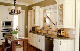 kitchen paint colors with cream cabinets: cream kitchen cabinets what color walls