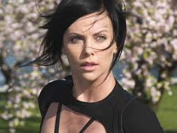 ... Charlize Theron Aeon Flux Wallpaper ... - aeon-flux-3_wallpapers_1151_1024x768