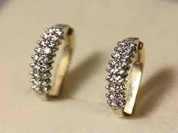 <b>Кольца</b>, серьги, браслеты - купить <b>ювелирные</b> украшения в ...