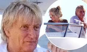 <b>Rod Stewart</b>, 75, sports new floppy hairdo as he ditches his ...