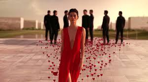 <b>FLOWER BY KENZO</b> L'ELIXIR - The power of a <b>flower</b> – The new film