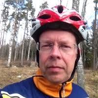 Mats Sjölund. Följer Följs av. Född 1961, bor i Ransta, har löpt 12 km hittills i år och har ett personbästa på 7:52 min/km. - anvbild197450
