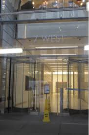 the entrance to 7 w 34th street where amazon just signed a 17 amazon office space