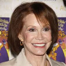 ... character Mary Richards in iconic sitcom The Mary Tyler Moore Show, ... - 270192_1