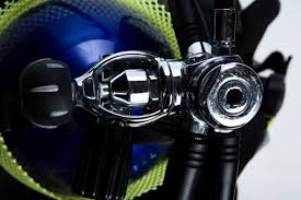 Difference Between a <b>Snorkeling</b> & <b>Dive Mask</b>