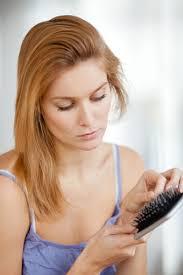 تساقط الشعر ، اسهل طريقه لعلاج تساقط الشعر images?q=tbn:ANd9GcQwmBDEn8IuIVFJCtGvhjAxs03bfH9csf2U4h5j9r8fjHCumPqJ