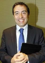 REDACCIÓN César Sánchez-Ballesteros dimitió ayer como presidente de la Asociación de Hoteles de Vigo (Ahosvi) por razones personales relacionadas con la ... - cesar-sanchez