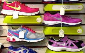 Nike Inc  marketing mix   Ps  product  place  promotion  price