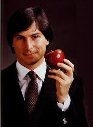 Os que já acompanhavam a vida de Steve Jobs sabem o por quê ele era conhecido como visionário, não era necessário que ele estivesse morto para que fosse ... - filme-steve-jobs