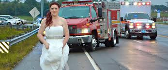 paramedic bride leaves own wedding to respond to car crash a tennessee bride proved she really is on call 24 7 when she left