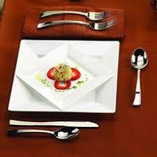 <b>Disposable</b> Plates | <b>Plastic</b> Plates | <b>Plastic</b> Dinnerware | eFavormart