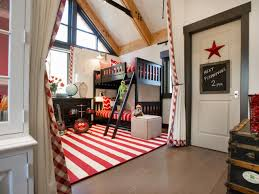 modern look of americana bedroom decor charming bedrooms look using rectangular red white stripes rugs charming bedroom ideas red