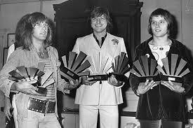 Top 10 <b>Emerson Lake</b> & <b>Palmer</b> Songs