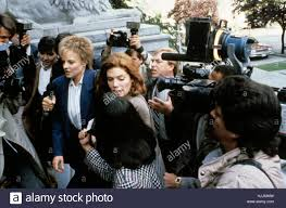 les accuses the accused real jonathan kaplan jodie foster les accuses the accused 1988 real jonathan kaplan jodie foster kelly mcgillis collection christophel copy paramount pictures paramount pictures corporation