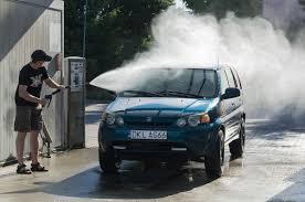 <b>Car wash</b> - Wikipedia
