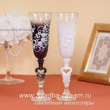 <b>Свадебные бокалы</b> для молодоженов с декором ручной работы