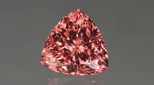 Meet the Gemstones: <b>Pink Zircon</b>   Interweave