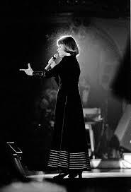 <b>Mireille Mathieu</b> - Wikipedia