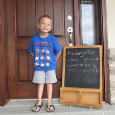 words short essay on my first day at school for kids
