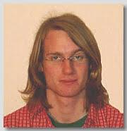 Ich bin Florian Kopp. Mein Abitur liegt nun hinter mir, doch die nächste Herausforderung steht bereits vor der Tür: Ab 1. - flo