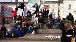 Elever demonstrerade mot nedskärningar - Nyheter | SVT.se