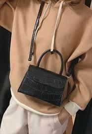 <b>Shoulder Bags</b>