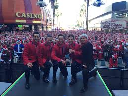 photo coverage jersey boys las vegas serve as grand marshals in jason martinez dan sullivan jason kappus graham fenton and travis cloer