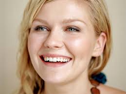 Kirsten Dunst 113 300x225 Kirsten Dunst and the Christmas Restraining Order! IMAGINE stalking someone who isn't that famous. How sad would you have to be to ... - Kirsten_Dunst_113