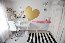 gold black bedroom