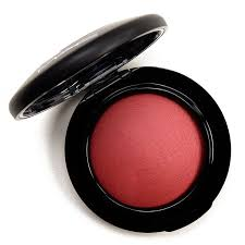 <b>MAC Flirting with</b> Danger Mineralize Blush Review, Photos, Swatches