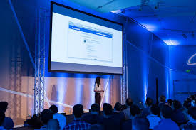 an inside look at facebook s method for hiring designers first julie zhuo presenting at cto summit in 2013