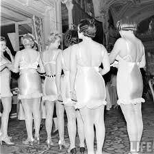 Винтажные фотографии с показа <b>нижнего белья</b> 40-х годов ...