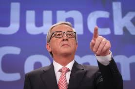 Juncker waves wand